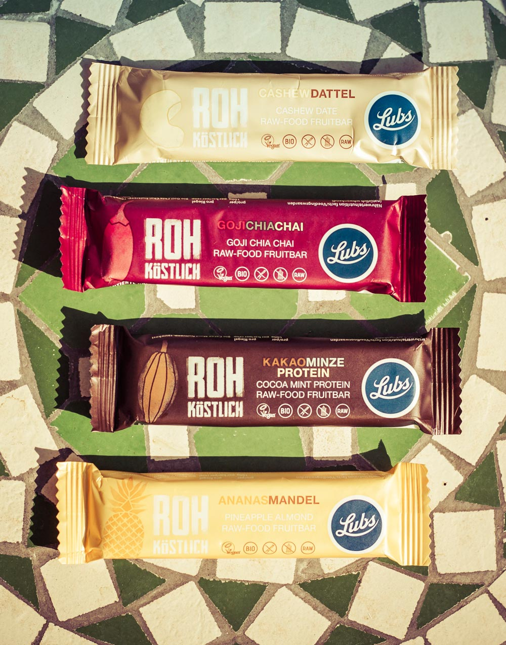Lubs Raw-food bar packaging 01 - Björn Siems